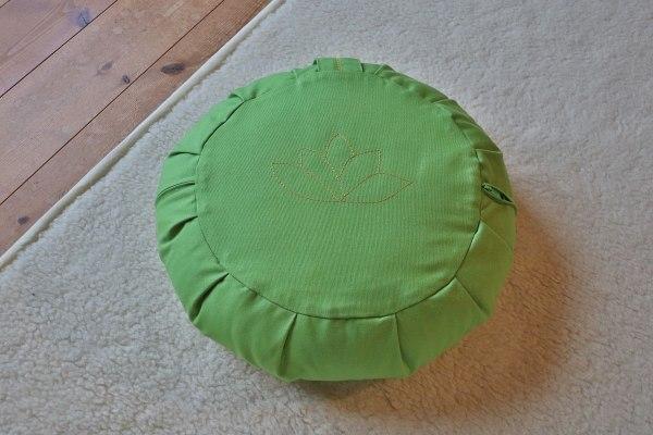 Yogakissen Grün, Motiv Lotosblüte, Größe L